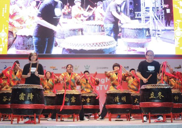 hypptv mid-autumn tanglung movie fest outdoor screening padang setia city mall chinese drums