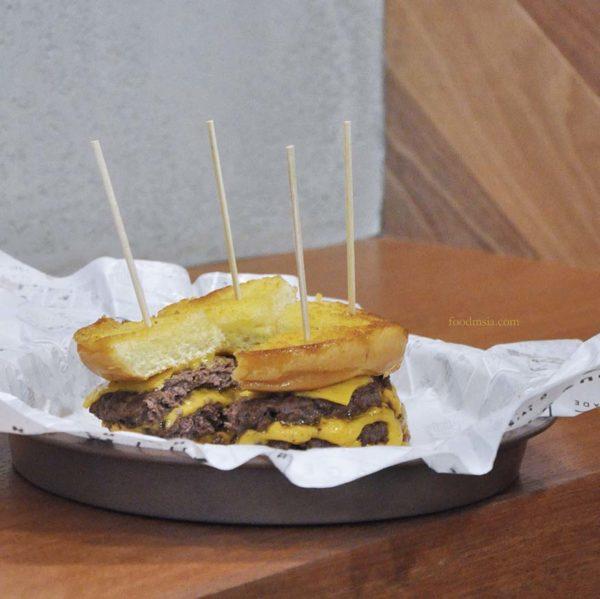 makanlicious food hunt melawati mall kuala lumpur wayback burgers cheeeesy