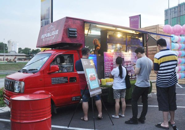 akasa cheras south hap seng land light up together food truck