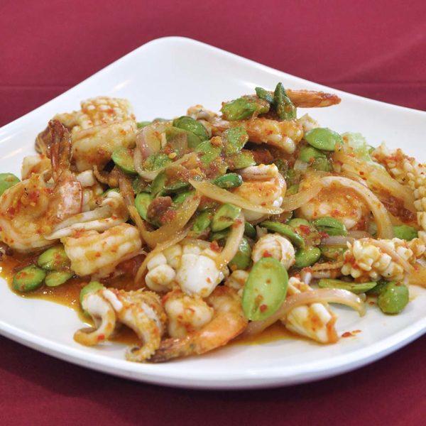 restaurant golden court chinese cuisine sri petaling seafood bitter beans