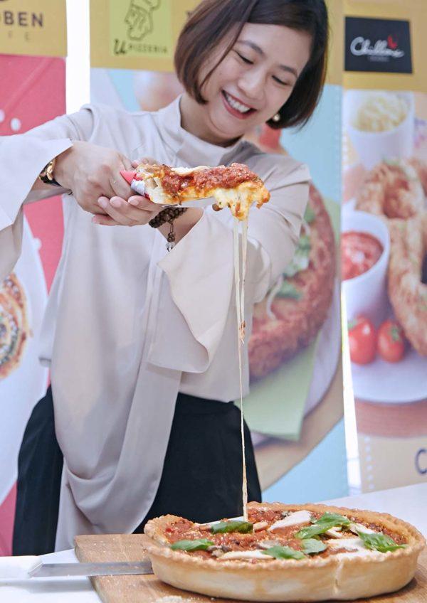 fonterra anchor food professionals pizzart artisanal deep cheese pizza linda tan