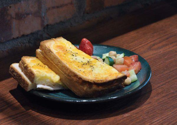 hachi bakery cafe plaza damas sri hartamas japanese bun croque monsieur