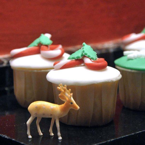 temptations renaissance kuala lumpur hotel christmas cupcake