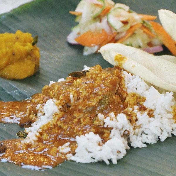 citta mall ara damansara curries n claws banana leaf rice set