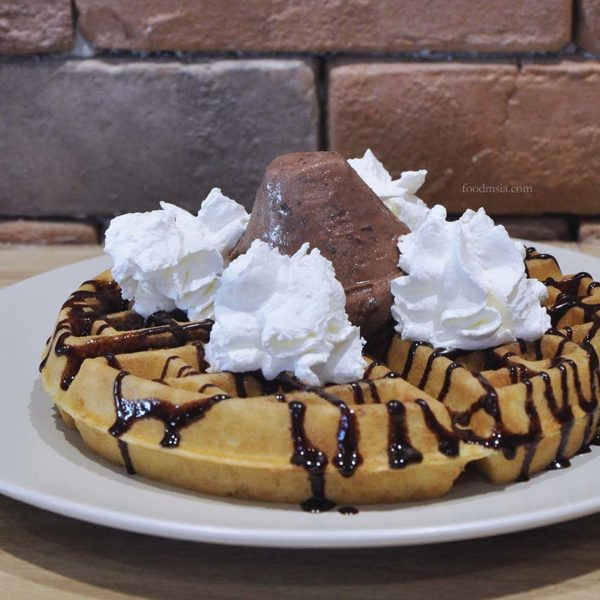 citta mall ara damansara gelare waffle chocolate chip treat