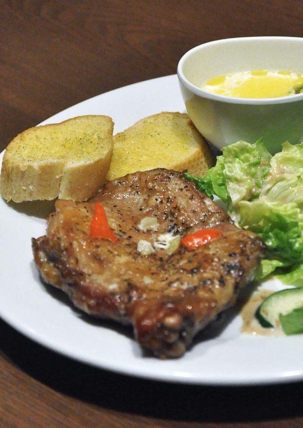 mandala cafe bar publika kuala lumpur grilled chicken chop
