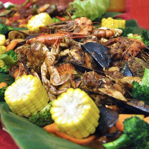 comot-comot seafood home delivery seafood feast