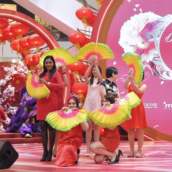 pavilion kuala lumpur dream love cny chap goh meh dancing