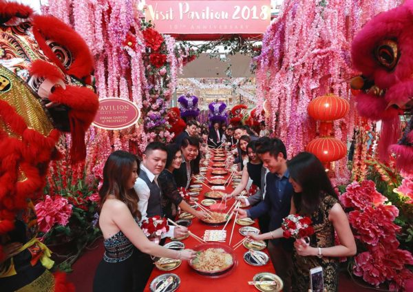pavilion kuala lumpur dream love cny chap goh meh tossing yee sang