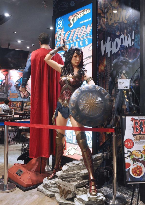 skyavenue genting highlands dc comics super heroes cafe wonder woman superman
