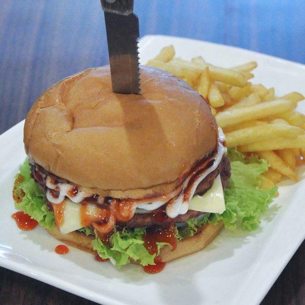 ramadan berbuka puasa next food junction klang parade burger