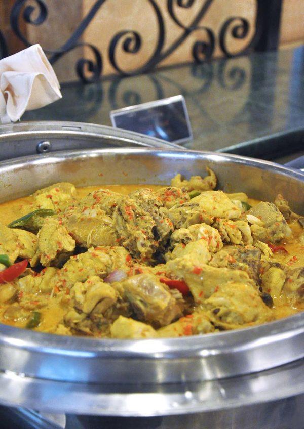 summit hotel subang usj sinar ramadan buffet gulai ayam kalimantan