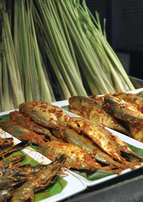 taste of malaysia ramadan buffet temptations renaissance kuala lumpur hotel grilled seafood