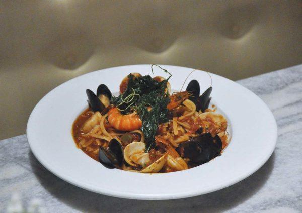 italiannies italian restaurant the curve mutiara damansara seafood marinara pasta