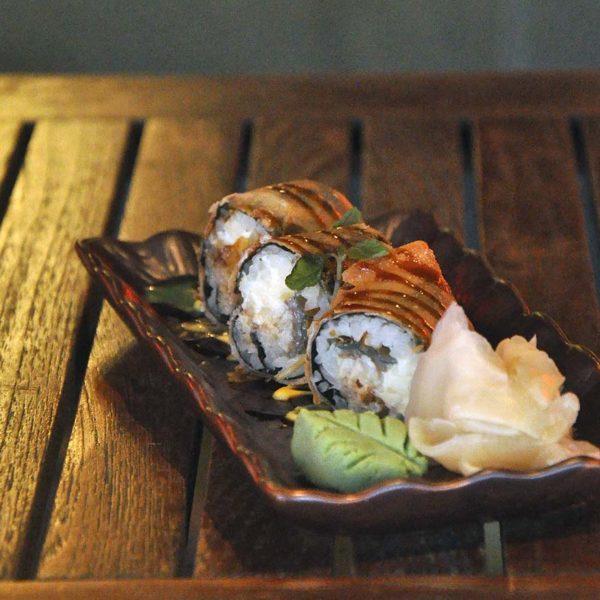 kouzu modern japanese restaurant bangsar sushi roll