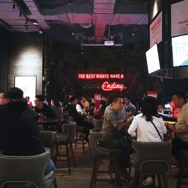 redtail bar by zouk resorts world genting interior