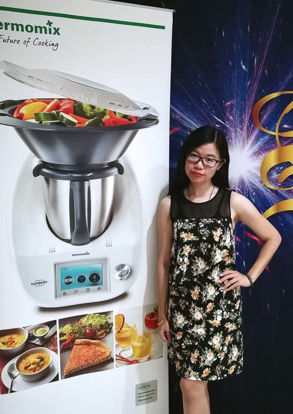thermomix easy meals for the family cookbook theresa lee blogger ivy kam