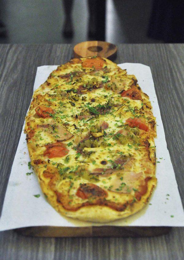 knowhere bangsar jalan maarof pizza chicken mexicana