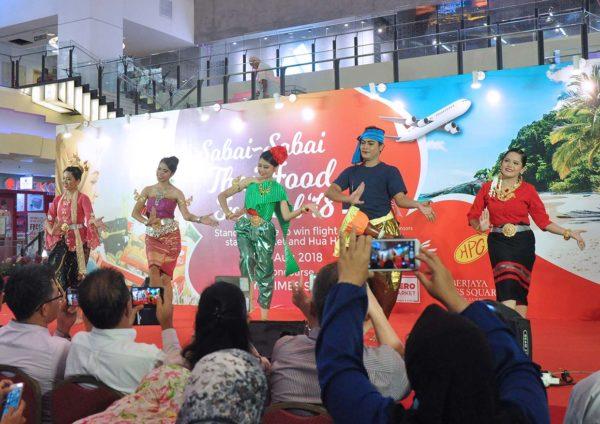 sabai sabai thai food festival dance demo