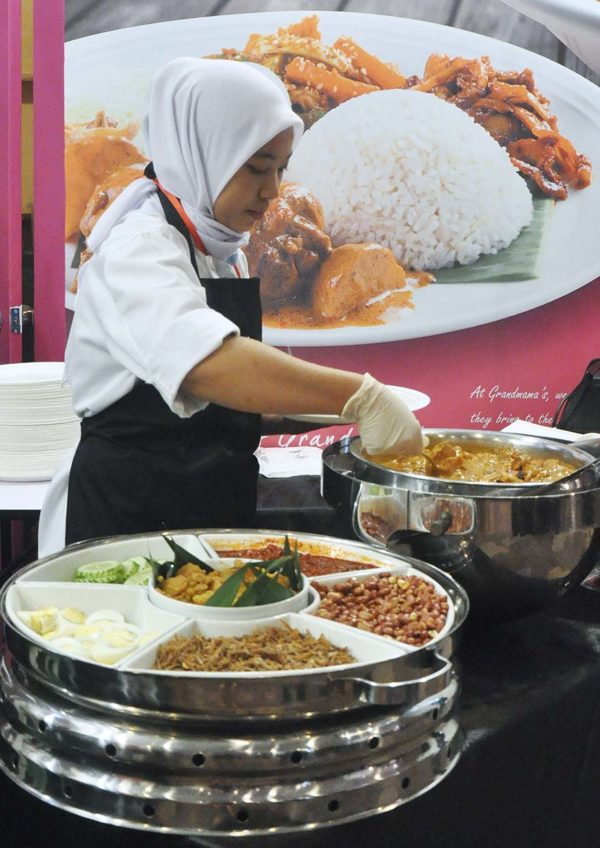 malaysia airports kulinary taste migf grandmama malaysian cuisine