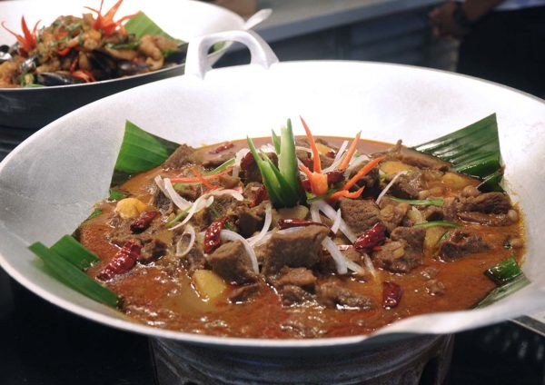 nook aloft kl sentral tantalisingly thai beef