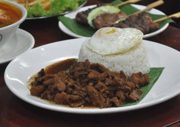 go thai restaurant atria shopping gallery moo khathiam