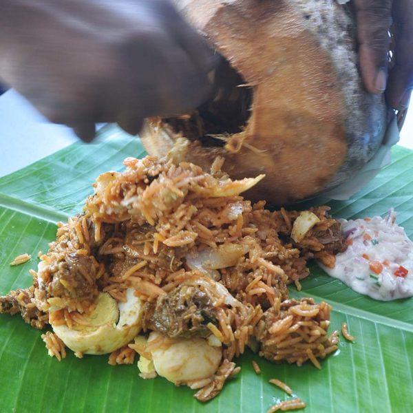 restoran mahesha ttdi baby coconut briyani serve
