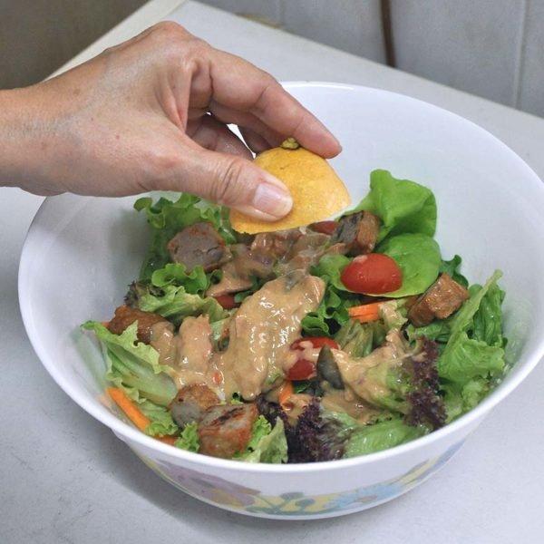 primo tuna green curry salad preparation