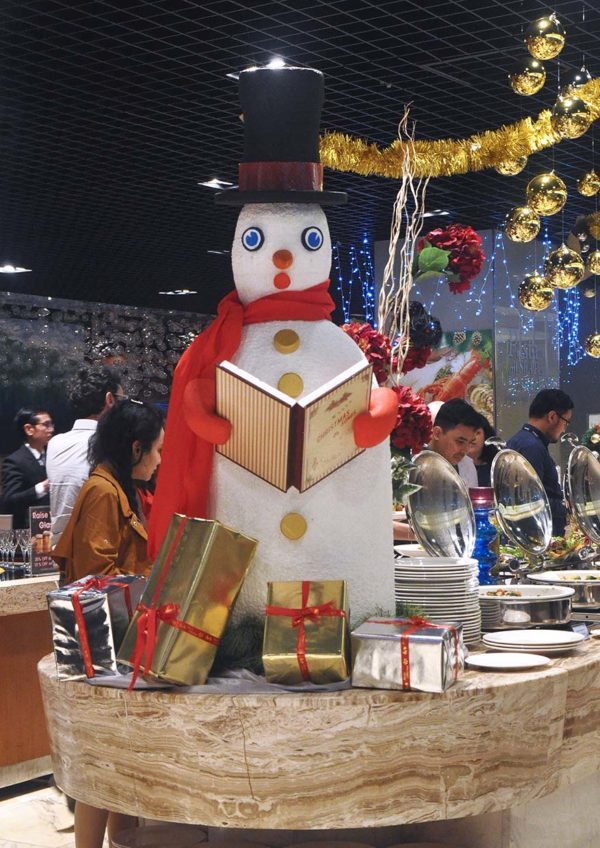 cinnamon coffee house one world hotel pj christmas 2018