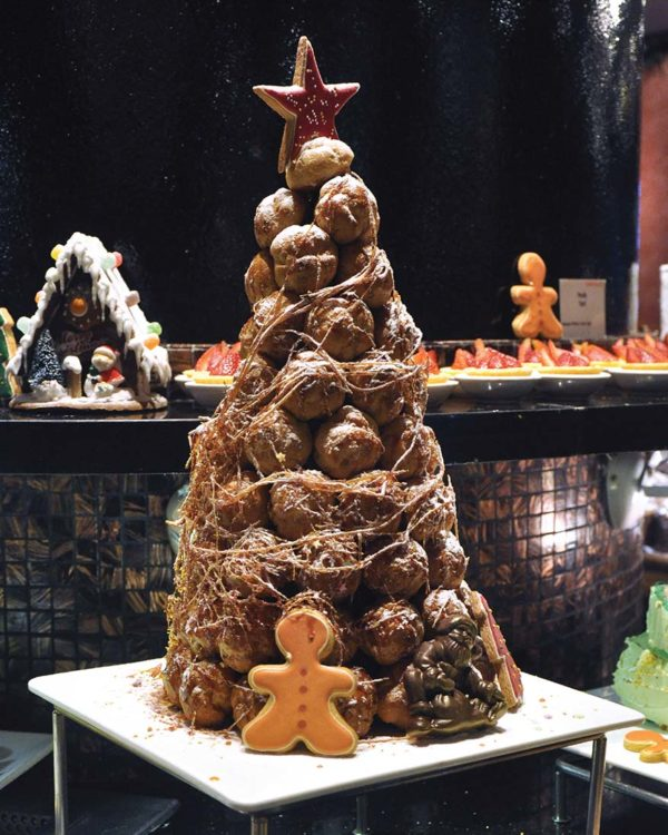 renaissance kuala lumpur hotel temptations christmas 2018 croquembouche