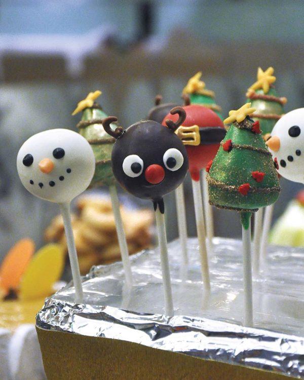 swez brasserie eastin hotel kl christmas buffet cake pop