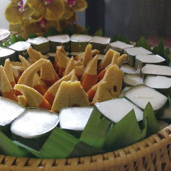 eat thai visit thailand campaign mr tuk tuk pumpkin custard dessert