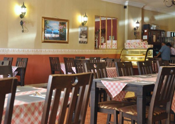 me famiglia italian restaurant kepong interior
