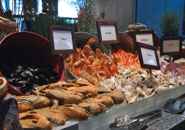 intercontinental kuala lumpur serena brasserie ramadan buffet fresh seafood