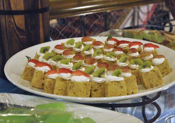 kuala lumpur international hotel toppot cafe limpahan lautan ramadan buffet dessert
