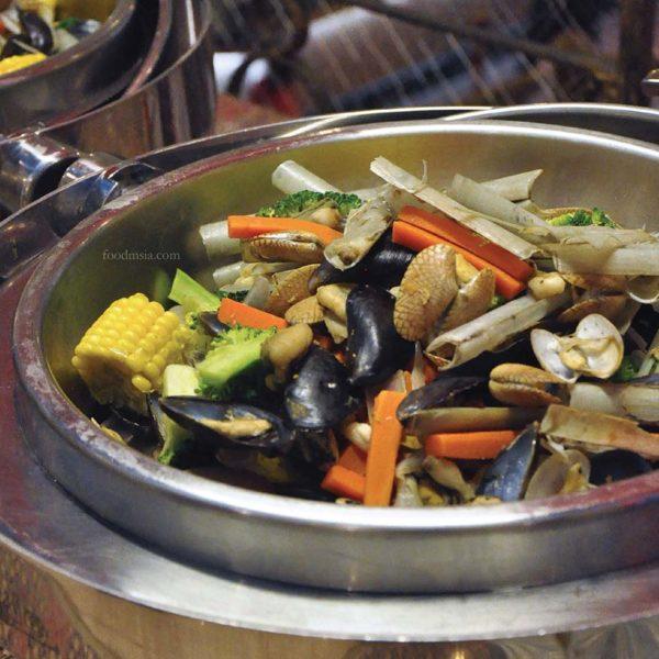 kuala lumpur international hotel toppot cafe limpahan lautan ramadan buffet shellout