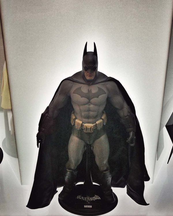 resorts world genting skyavenue batman 80th anniversary figurine