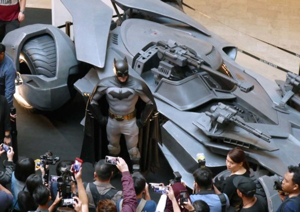 resorts world genting skyavenue batman 80th anniversary meet greet