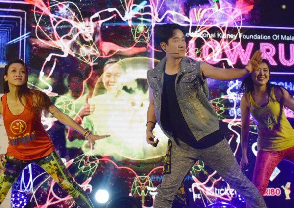 nkf glow run maeps serdang zumba dance