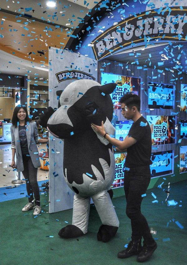 ben and jerrys malaysia scoop shop sunway pyramid cow mascot
