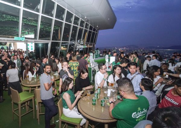 carlsberg just keeps getting better marimbar petaling jaya crowd