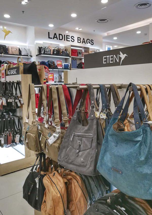 lulu hypermarket kuala lumpur half payback offer promotion ladies handbag
