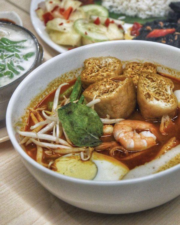 taste of paradigm mall petaling jaya warung mama curry noodle