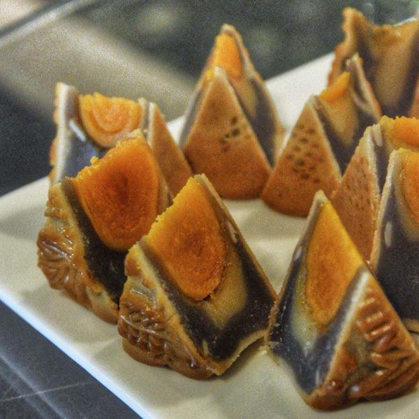 the westin kuala lumpur yue fantasy mooncake mid autumn festival black sesame