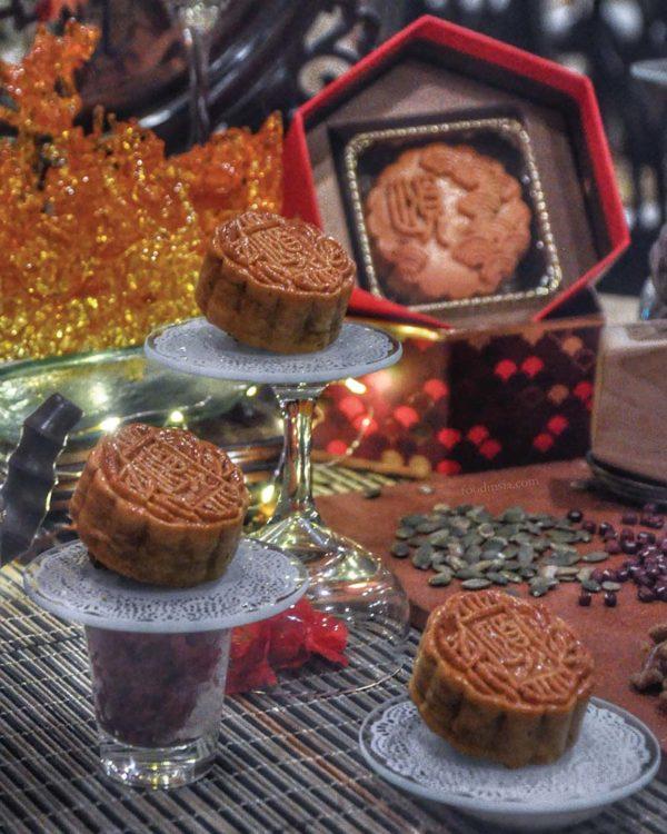 eastin hotel kuala lumpur mid-autumn festival mooncake lotus paste