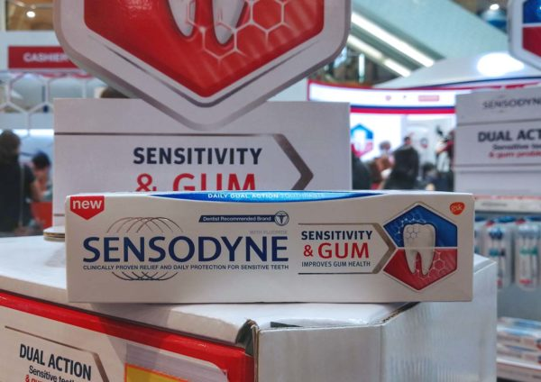 sensodyne sensitivity and gum dual action toothpaste