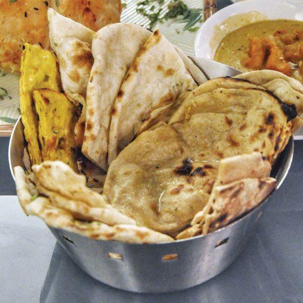 spice garden indian middle eastern restaurant naan bread