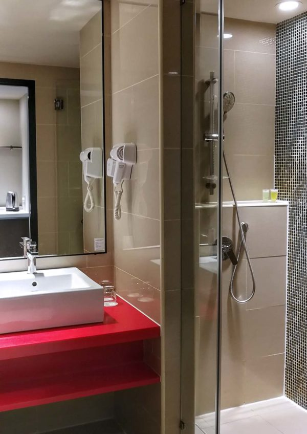 best western i-city shah alam staycation attraction deluxe room toilet