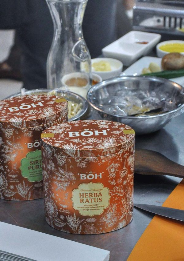 dato fazley yaakob cooking session at sukasucre with boh tea variants