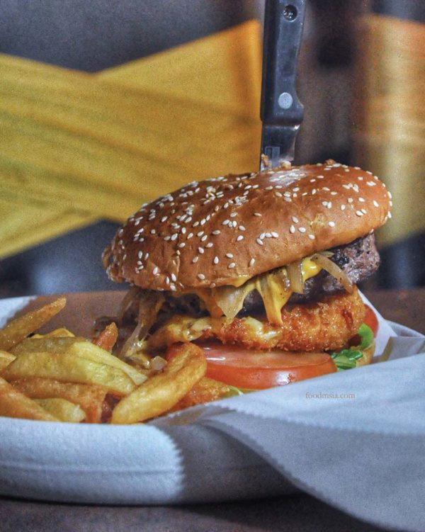 poison apple pinnacle annexe bandar sunway the beast burger